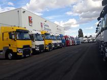Surface de vente Renault Trucks France by Volvo group Lyon