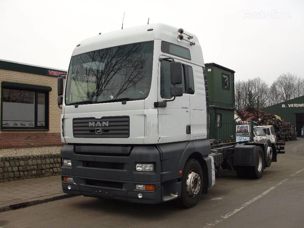 MAN 26.460 camion châssis