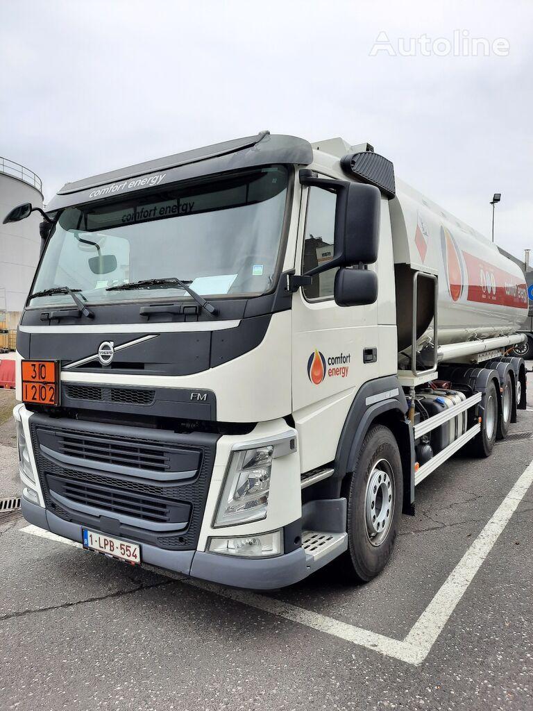 VOLVO camion de carburant