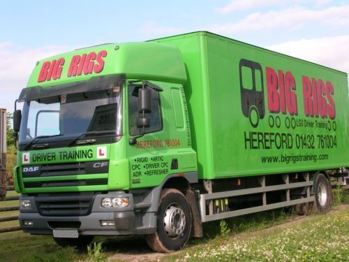 DAF CF 65.250 SPACE CAB camion fourgon