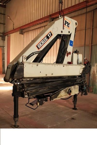 PM 17000 ( Italiya ) grue auxiliaire