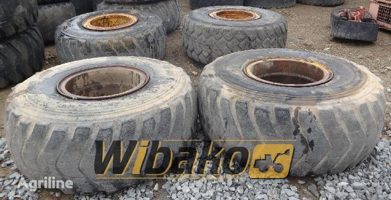 23.5/25 (12/37/31) pneu de tracteur
