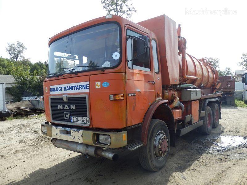 MAN 26.240 6x6 camion aspirateur