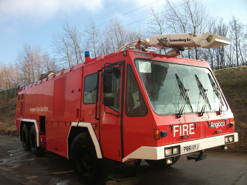 ## FOR HIRE # ANGLOCO AIRPORT FIRE FIGHTING VEHICLE / KRONENBURG camion de pompier