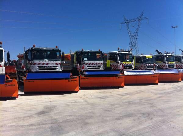 RASCO NEW truck 4x4+ spreader + snow plough + tipper box épandeur à sable