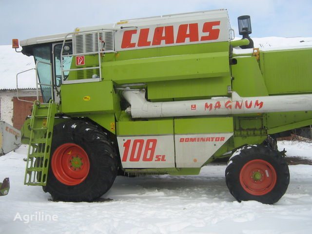 CLAAS 108 MAGNUM moissonneuse batteuse