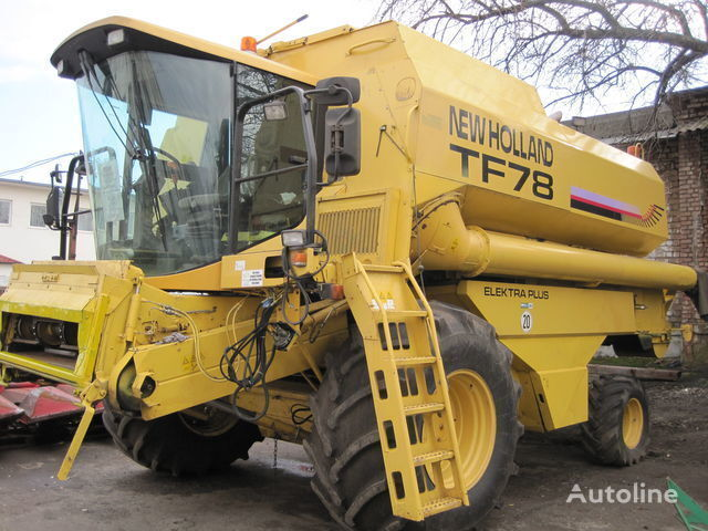 NEW HOLLAND TF 78 moissonneuse batteuse
