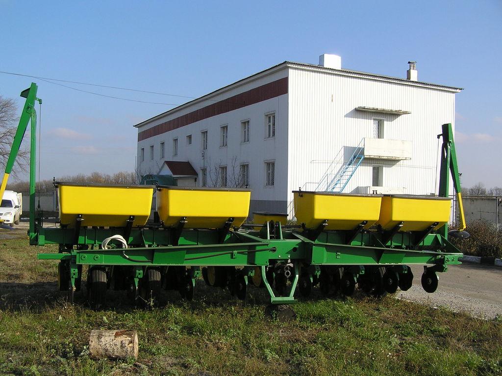 JOHN DEERE 7000 8 ryadnaya semoir de précision mécanique