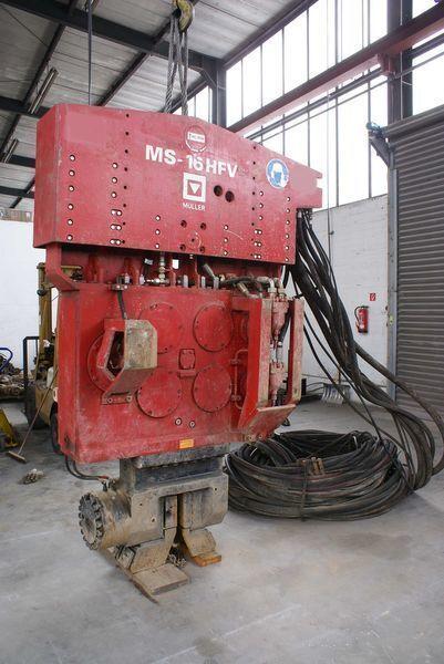 Vibropogruzhatel Muller M16HFV i Power pack MS-A260  autre matériel TP