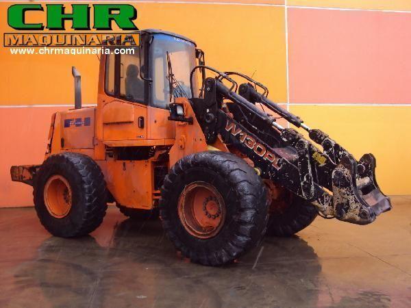 FIAT-HITACHI W130PL chargeur sur pneus