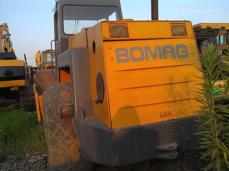 BOMAG BW217D-2 compacteur monocylindre