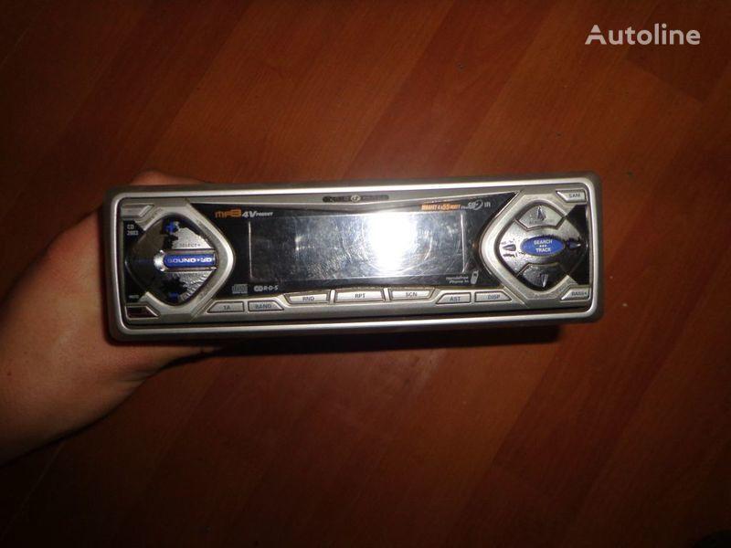 VDO Ayton. 12V. CD autoradio pour tracteur routier