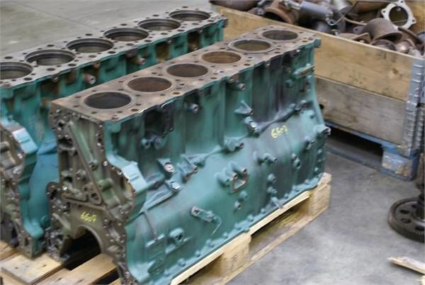 bloc moteur pour VOLVO D 12 C autre matériel TP