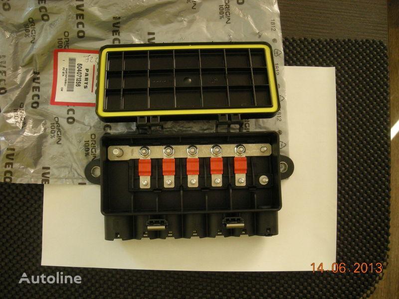 IVECO 504071256 41221026 boîte à fusible pour IVECO tracteur routier neuf