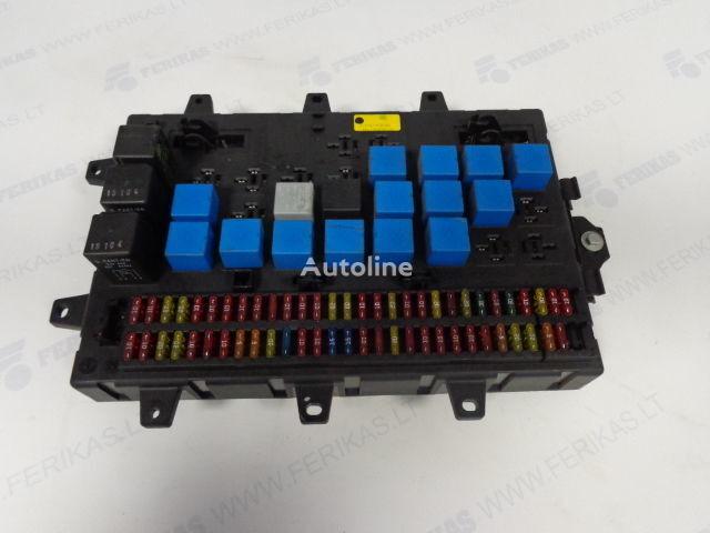 Fuse relay protection box  5010428876,5010231782,5010561943 boîte à fusible pour RENAULT MAGNUM tracteur routier