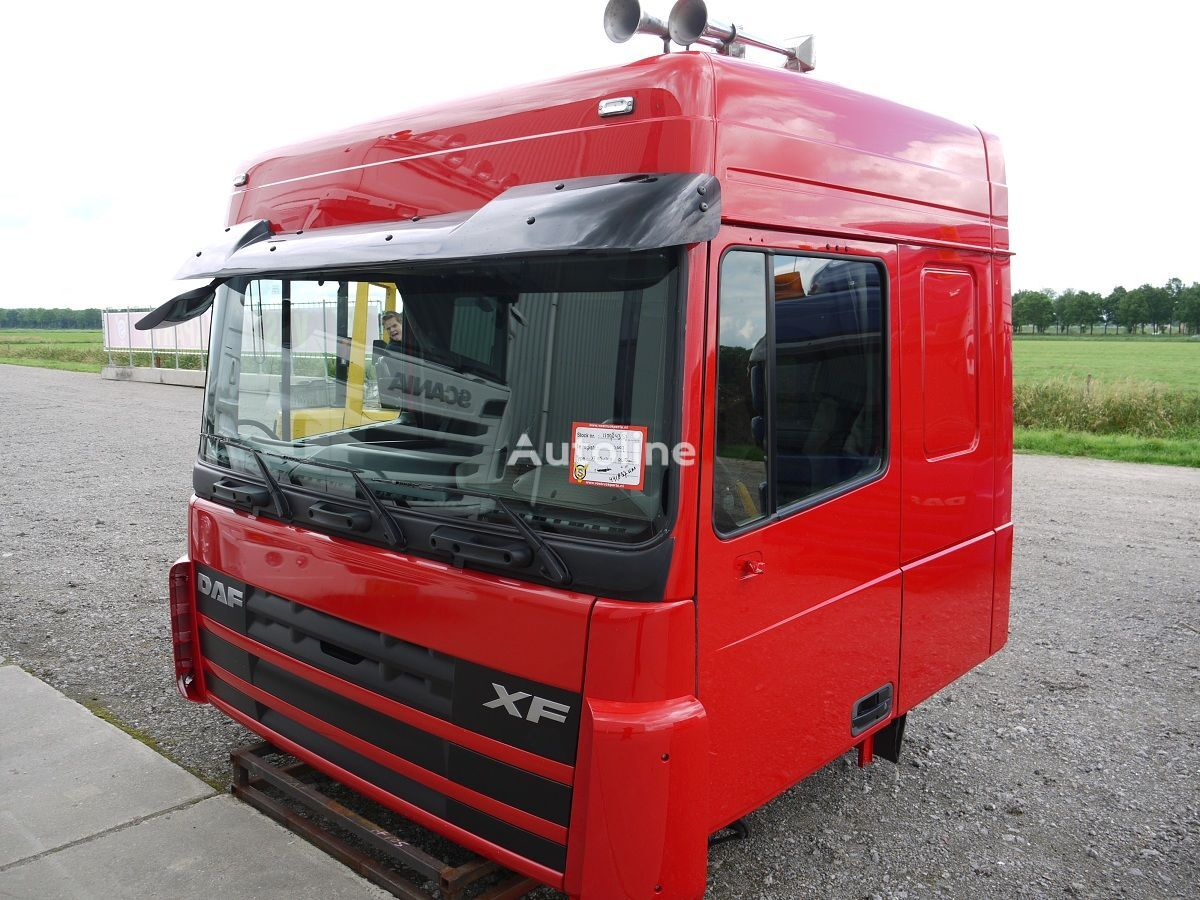 cabine pour DAF XF105 SPACE CAB tracteur routier après accident