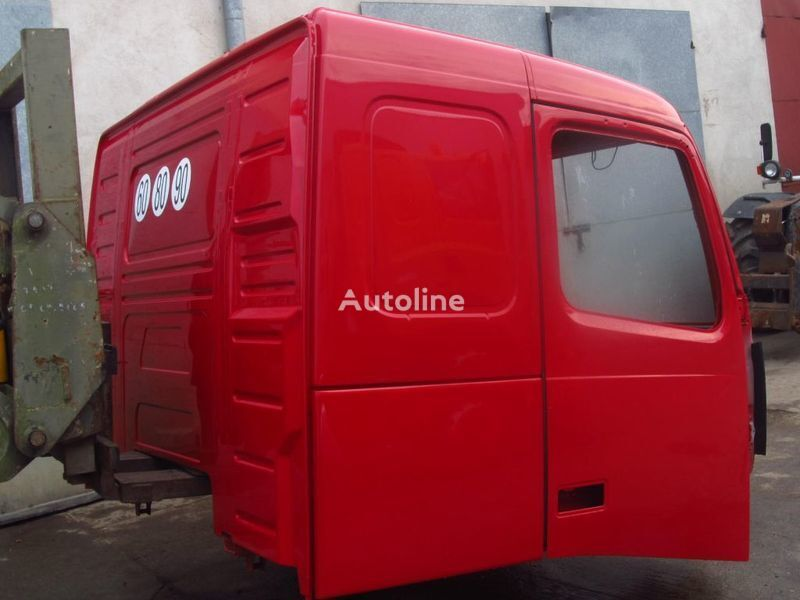 VOLVO LOW ROOF cabine pour VOLVO FH13 camion