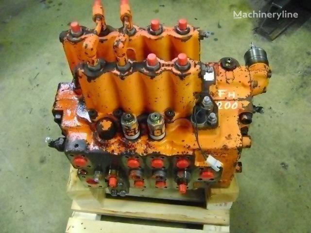 distributeur hydraulique pour FIAT-HITACHI  FH 200 excavateur
