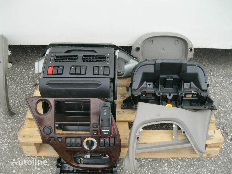 planche de bord pour DAF XF 105 tracteur routier