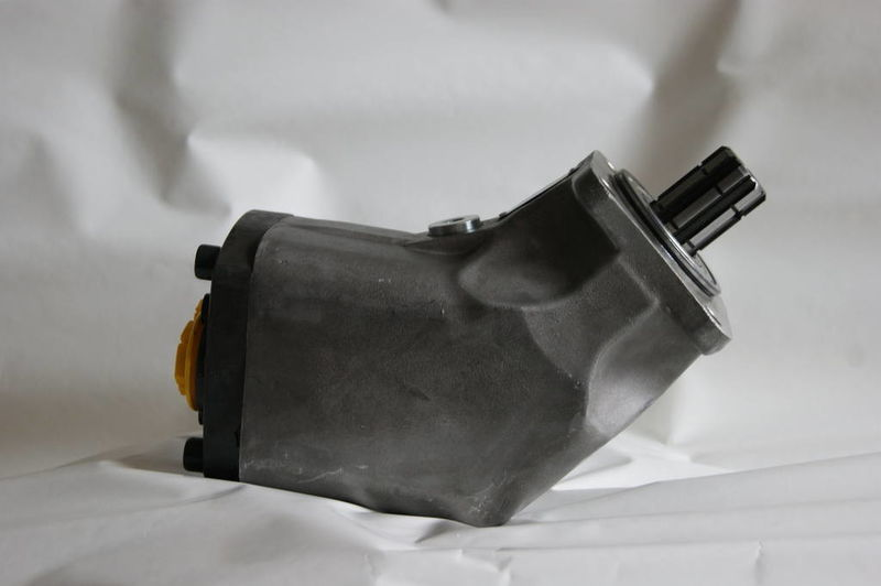aksialno-porshnevoy 85 l/min. dlya tyagacha pompe hydraulique pour camion neuf