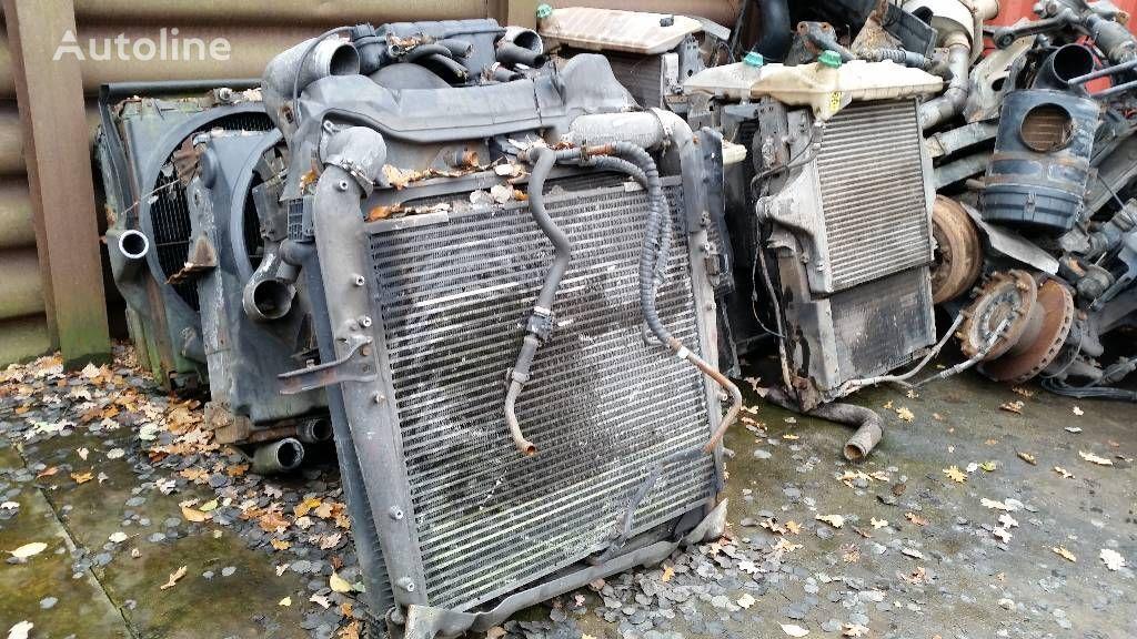 radiateur de refroidissement pour MERCEDES-BENZ 1840 camion