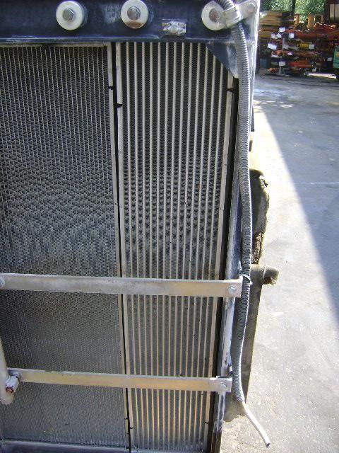 radiateur de refroidissement pour NEW HOLLAND E 385 B excavateur