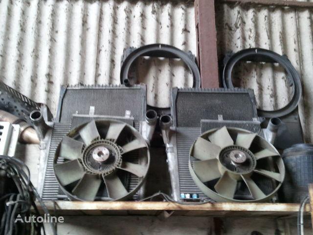 radiateur de refroidissement pour RENAULT MAGNUM tracteur routier
