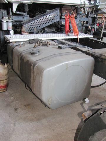 réservoir de carburant pour RENAULT MAGNUM tracteur routier