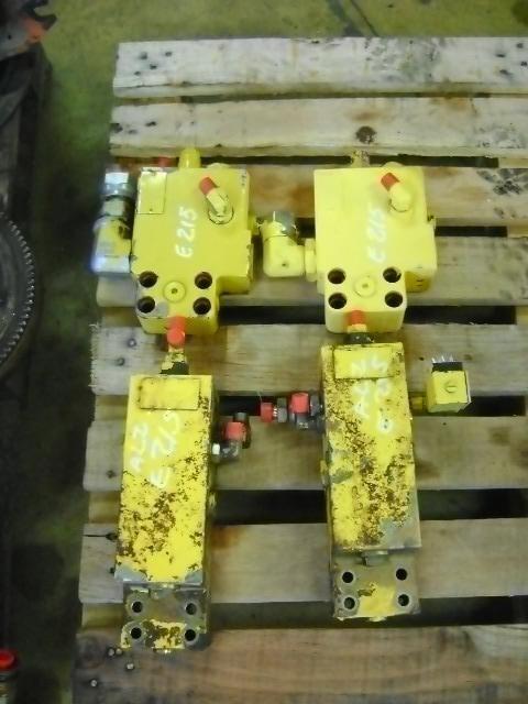 Block Valve soupape pour NEW HOLLAND E 215 excavateur