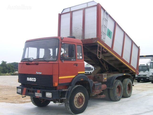 IVECO 330.30 camion benne