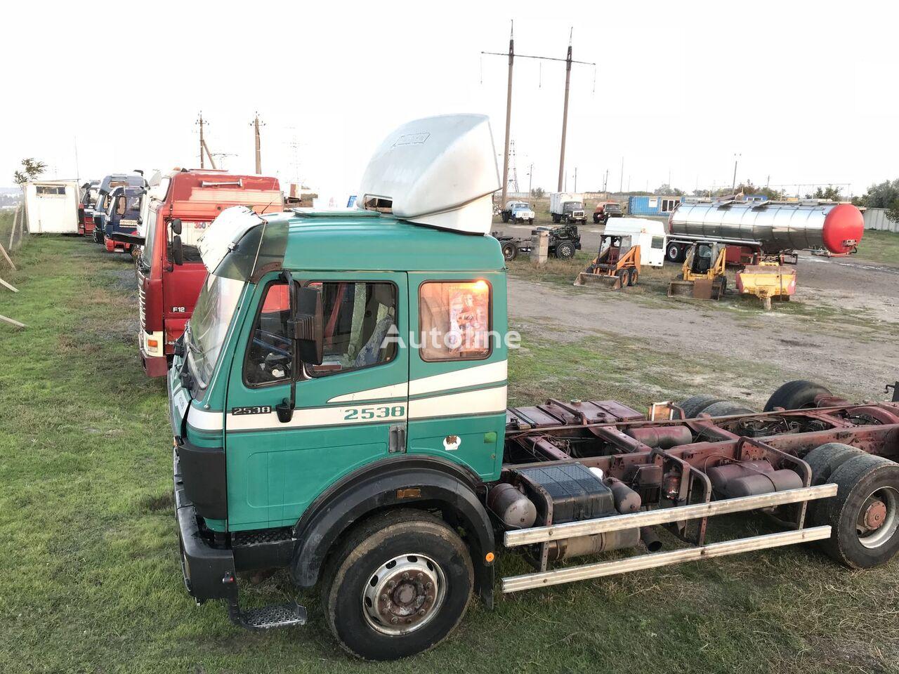 MERCEDES-BENZ 2538 Sk camion châssis