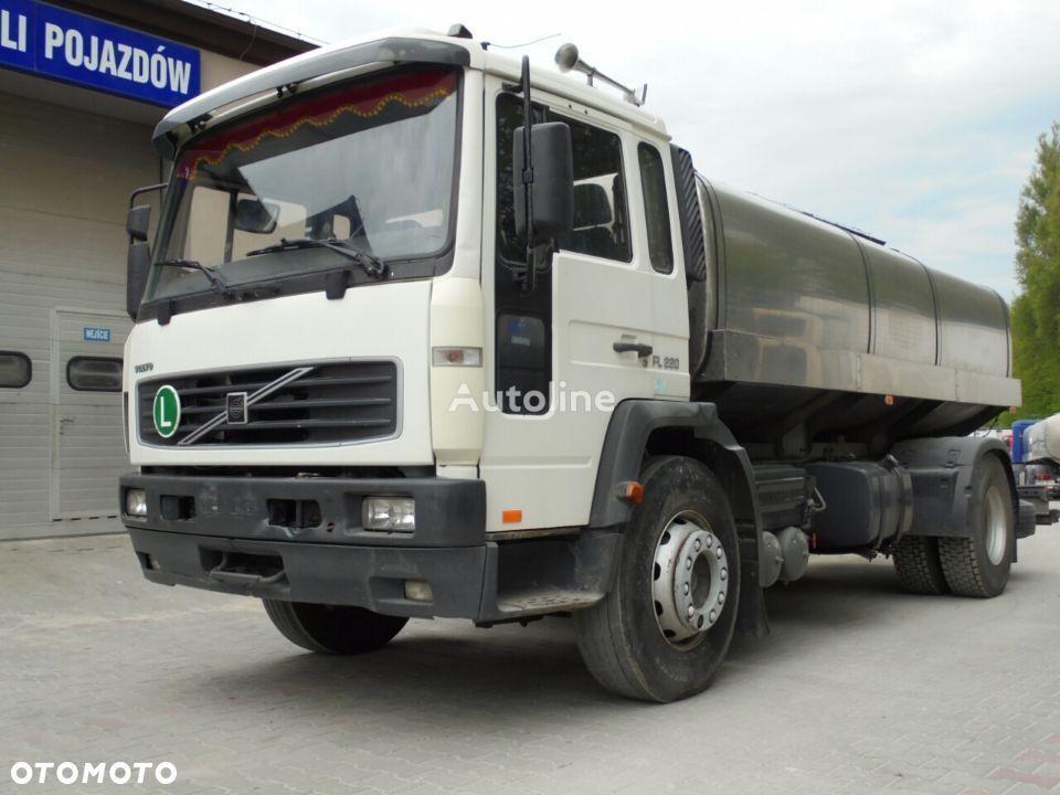 VOLVO FL220 camion de lait