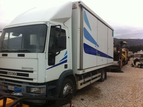 IVECO 120 E 23 camion fourgon