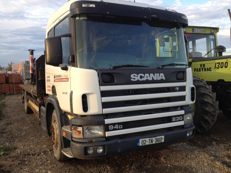 SCANIA 94D camion plate-forme