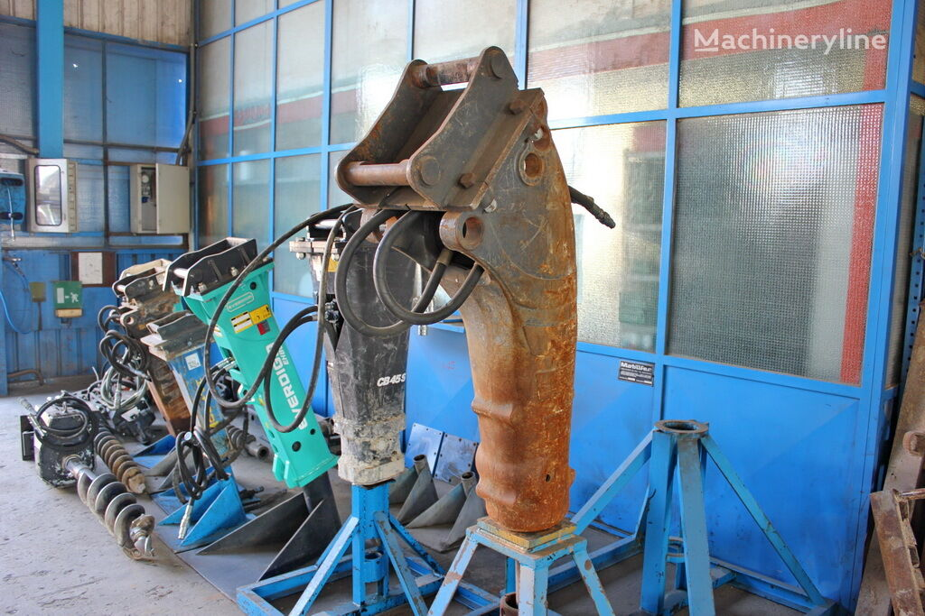 CASE CB90S marteau hydraulique