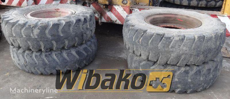 14/24 (12/37/17) pneu pour chargeur frontal