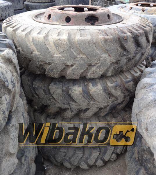 8.25/20 (10/28/0) pneu pour chargeur frontal