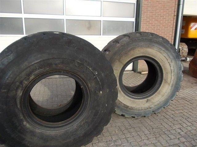 Bridgestone L5 23.50- 25.00 pneu pour chargeur frontal