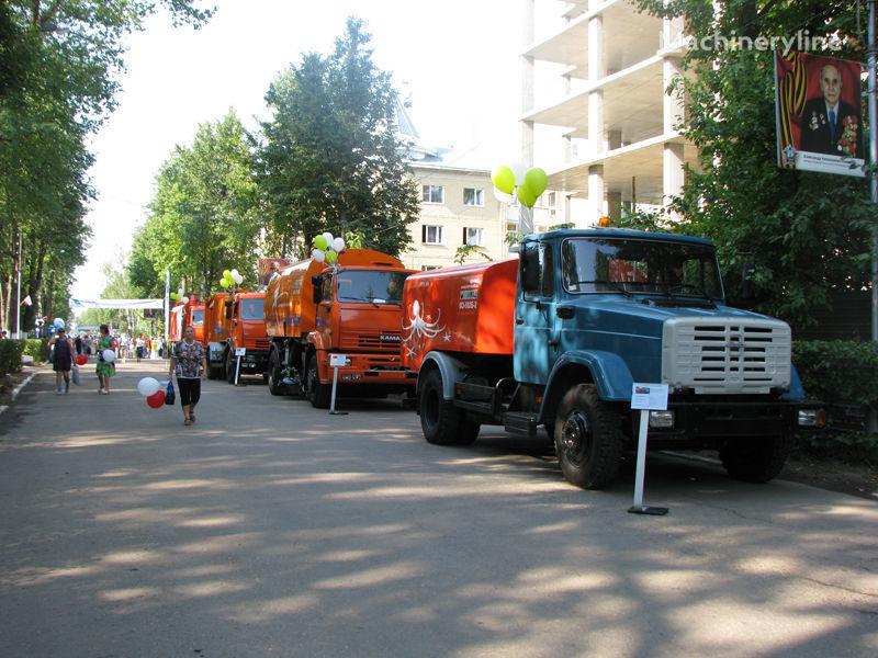 ZIL Kanalopromyvochnaya mashina KO-502D camion hydrocureur