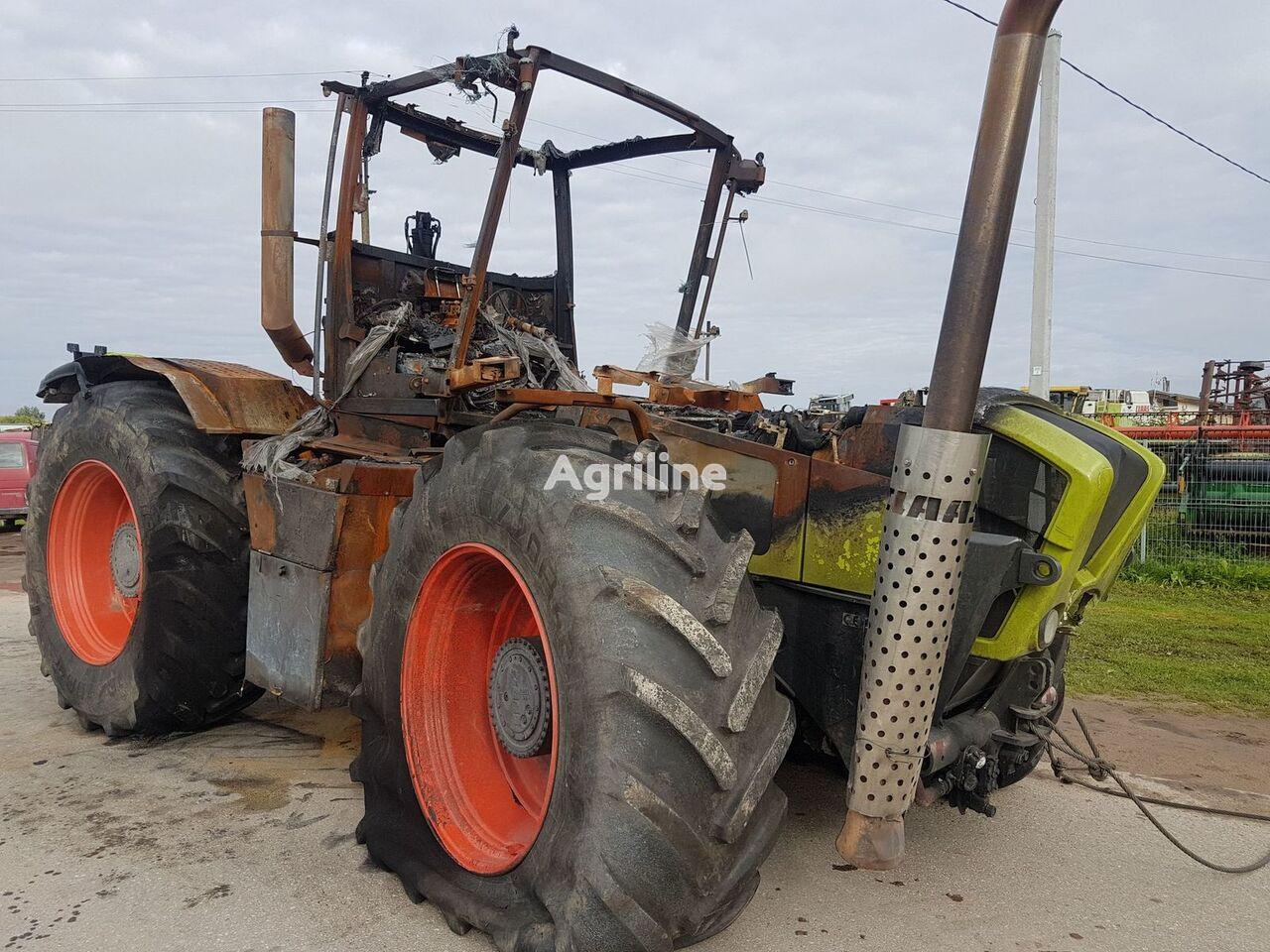 CLAAS XERION 3800 tracteur à roues après accident pour pièces de rechange