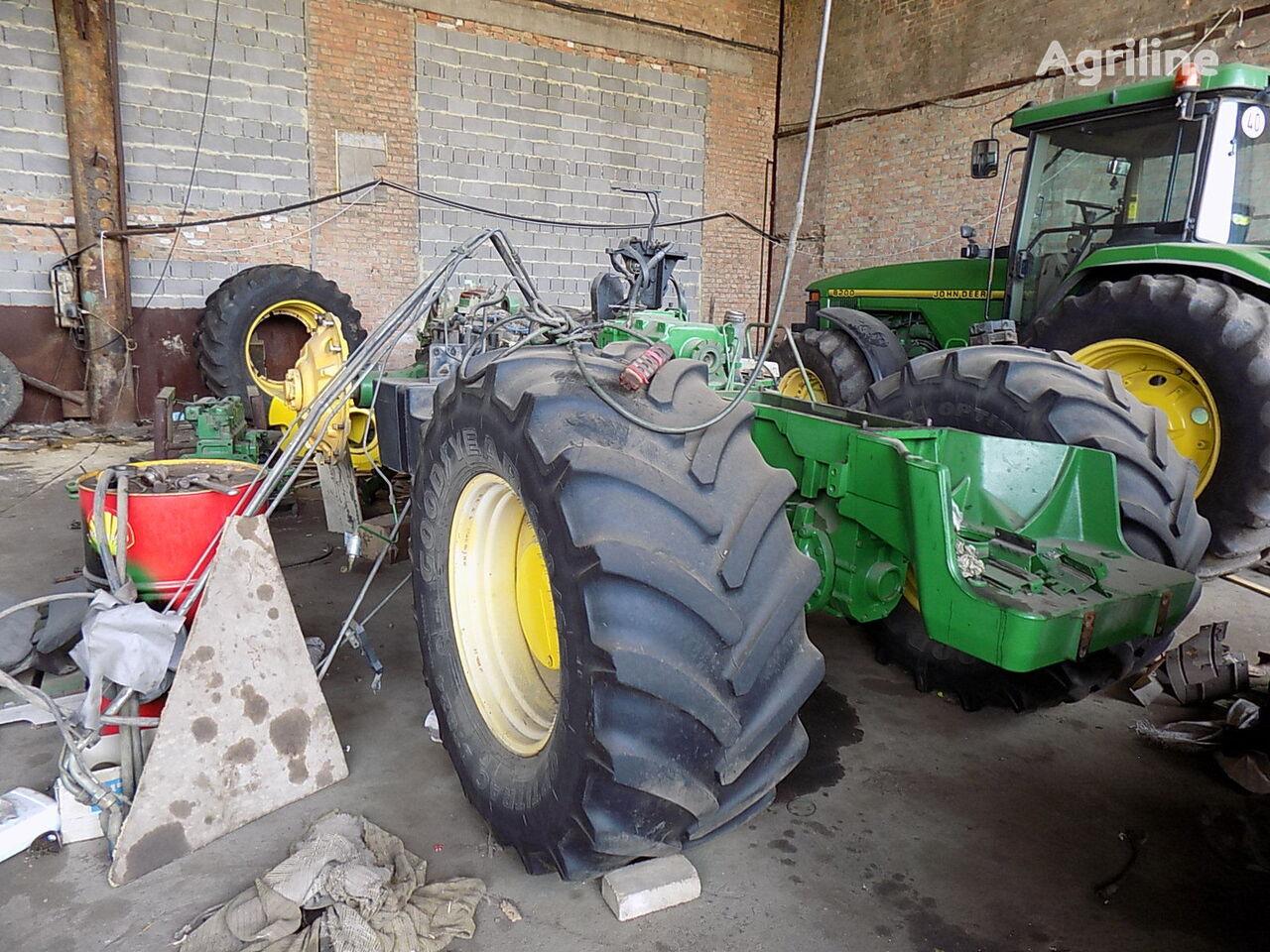 JOHN DEERE 8400 8300 po zapchastyam na razborke   tracteur à roues