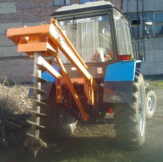 Yamokopatel (yamobur) navesnoy marki BAM 1,3 na baze traktora MTZ autre matériel TP