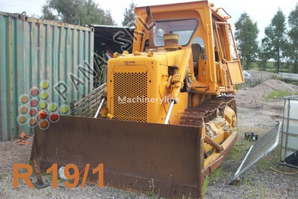 CATERPILLAR D 4 bulldozer