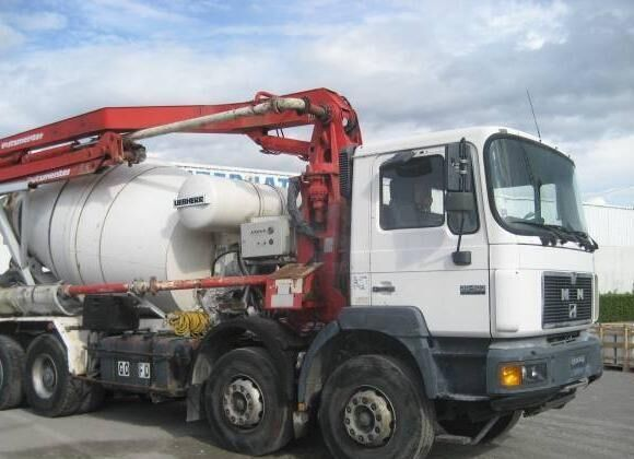 MAN F2000 35.403 camion malaxeur