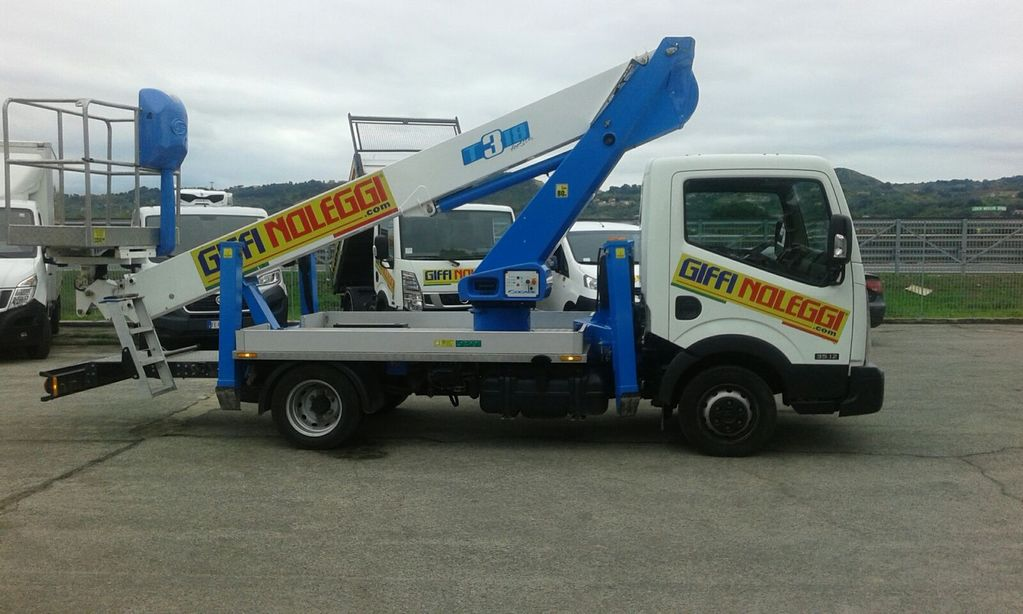 camion nacelle Socage T318
