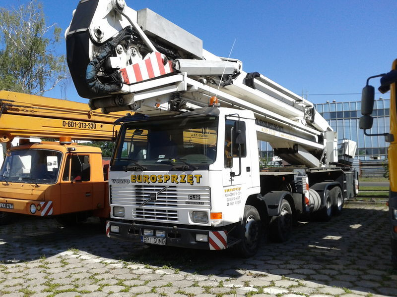 VOLVO BRONTO SKYLIFT 50-3T3 camion nacelle