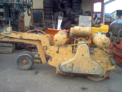 DUOMAT R 90 compacteur à main