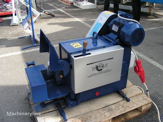Stanok dlya rubki armatury S-42 équipement industriel