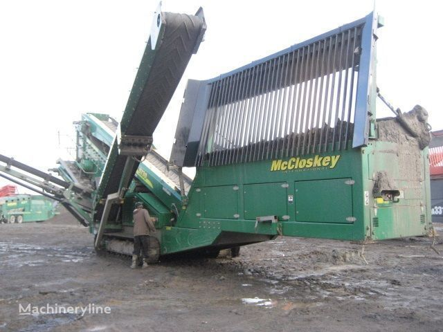 McCLOSKEY S130 - 3 deck machine de concassage