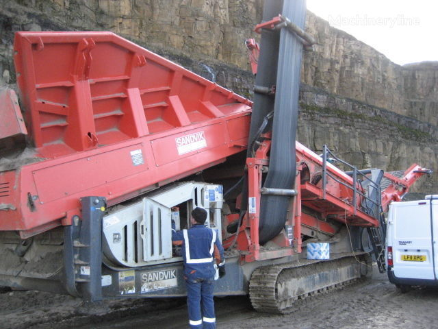 SANDVIK QE440 machine de concassage